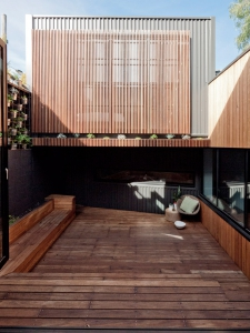 Parure House by Architects EAT