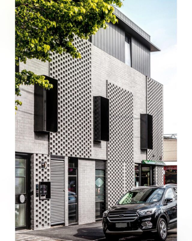 Patterns and mass. . The strong corner reflects other built form in the #southmelbournemarket area, especially commercial built form, and reinforces the street corner in the streetscape - a recognised #urbandesign outcome that architects and councils seek to achieve in heritage precinct. . #EATCoventryStApartments #architectseat® #eatinteriors #multiresidential #apartment #apartmentliving  . Builder: @hardwickbuildco  Photographer: @chrism.photography
