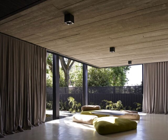 #EATElmandWillowHouse  Oldie but a goodie for a moody Melbourne day ☁️  Photography by: Earl Carter  #EAT #architectsEAT #EAThouses #residential #architecture #interiors #interiordesign #natural #neutral #texture
