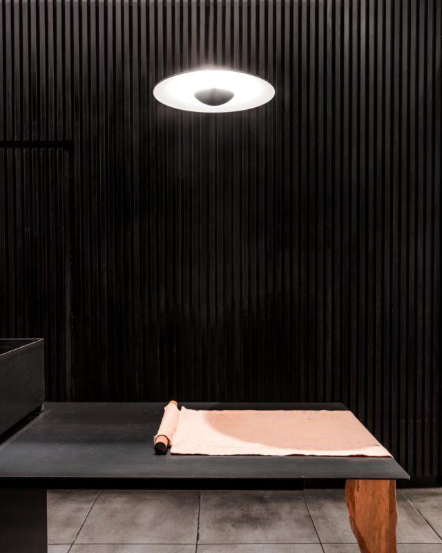 Dark. Void of natural light. Like calligraphy ink. The opposite of the last post. Makoto means pure true and genuine. Kurai kage. ▪️▪️▪️ . #EATMakoto #architectseat® #eatinteriors #EATHospitality #japaneserestaurant 📸 @chrism.photography