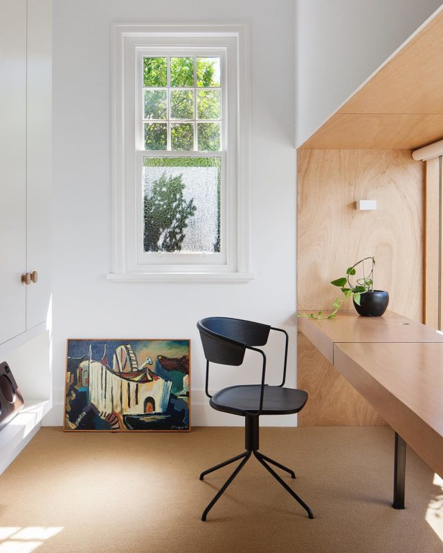#EATIncisionHouse study is where the old bathroom used to be. We have opened the wall up to the north facing courtyard, so that the room is flooded with glorious natural light 🌞 . The honey tone Tasmania Huon Pine Ply joinery is coupled with the Irish goat hair 🐐 sisal @tretford_carpets to give warmth to this understated quiet corner of the house. . #architectseat® #eatinteriors #malverneast #workfromhome #homeinspo #homeinterior #homedecor #homeoffice #interiordesign 📸 @shannonmcgrath7